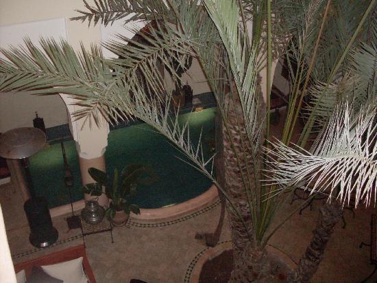 Riad Les Trois Palmiers El Bacha : interieur du riad