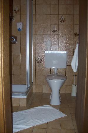 Hotel Marten: Einzelzimmer 219_Bad2