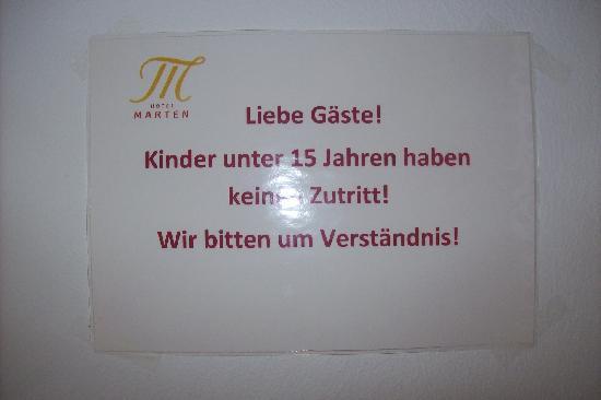 Hotel Marten: Wellnessbereich_Hinweistafel