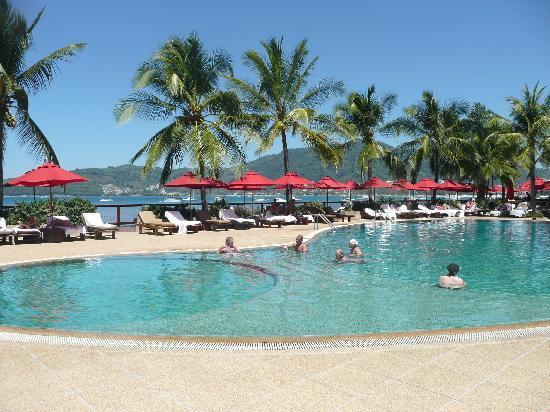 Amari Phuket: The pool
