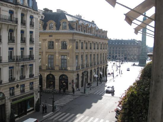 view of rue de la paix towards place vend me picture of park hyatt paris vendome paris. Black Bedroom Furniture Sets. Home Design Ideas