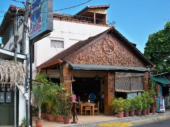 Hotel Poseidon y Restaurante: Front of hotel