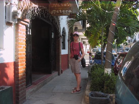 Azteca Hotel: Madero 473