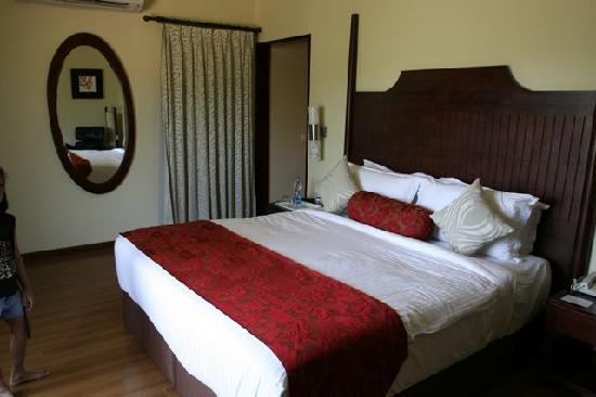 The Windflower Resort and Spa, Coorg: Bedroom