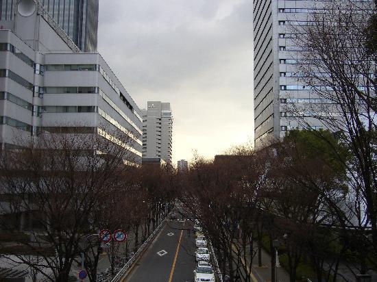 Osaka Business Park: JR京橋駅側からのOBP