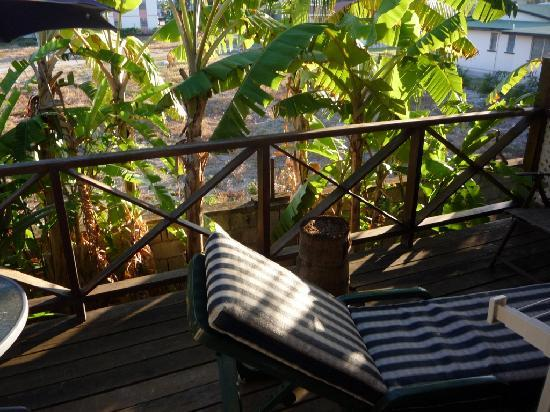 Dolphin Inn: Sun lounger on private veranda