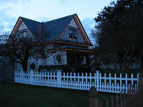 Hedman House, A Bed and Breakfast: Winter Lights