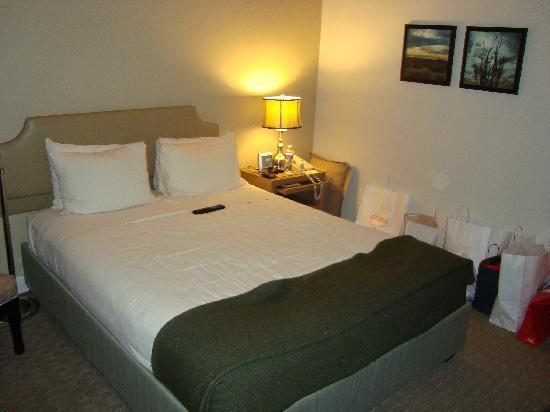 The Brentwood Inn: Room