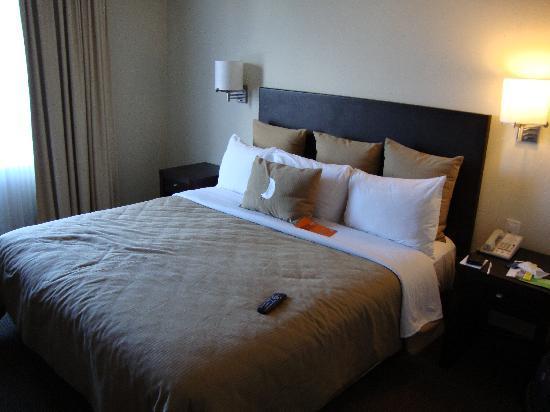 Fiesta Inn Tepic: la cama de mi habitacion
