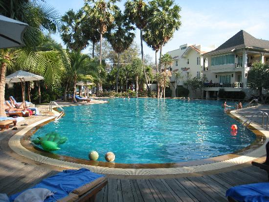 Bann Pantai Resort : The pool