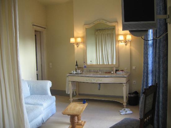 Le Convivial Wine Experience Suites: Sitting Area