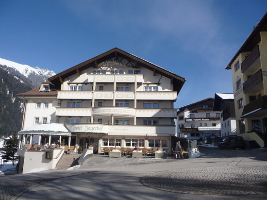 Hotel Jaegerhof: Front of hotel