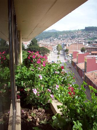Hotel Jose Antonio Cusco: View down Av. Sol from the 6th floor