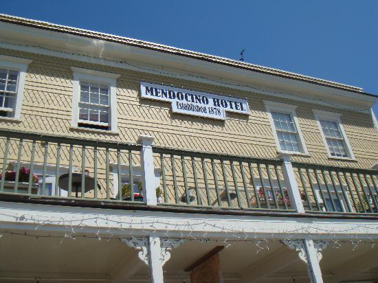 Mendocino Hotel and Garden Suites: Mendocino Hotel front