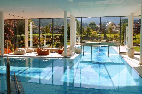 Indoor outdoor pool picture of hotel rieser aktiv spa for Indoor garden pool