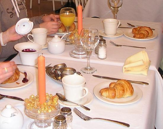 Bed & Breakfast Manoir Mon Calme: Breakfast, part 1