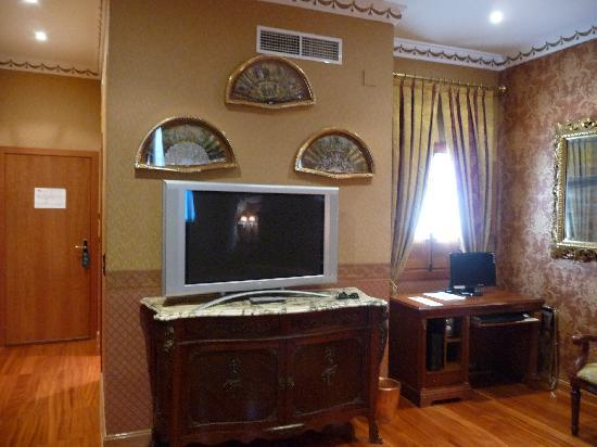 Hotel La Llave de la Jurderia: TV