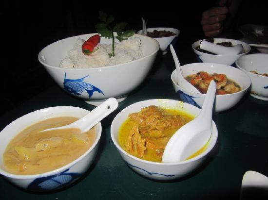 Rainforest Restaurant at Ecolodge: Variety of meats and sauces of the Indonesian set menu