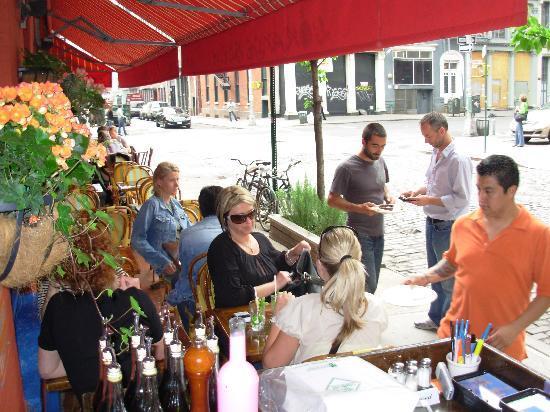 L' Orange Bleue Restaraunt Bar and Cafe: oui