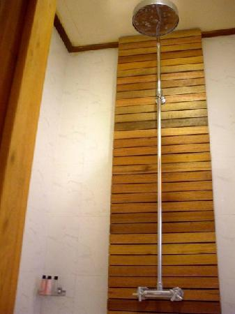 The Beach Boutique Resort: Nice shower, just that the drainage needs to work better