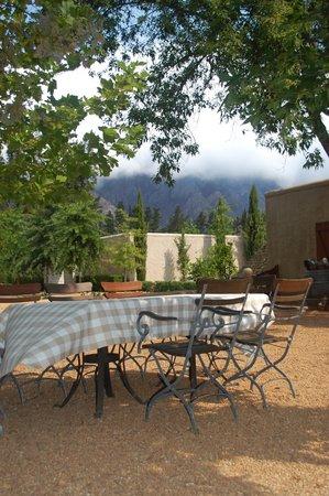 Cafe BonBon: Dining beneath the mountain