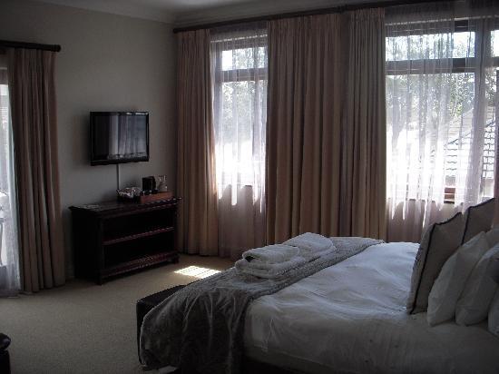Manor 38: bedroom