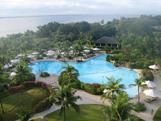 Shangri-La's Mactan Resort & Spa: Pool view