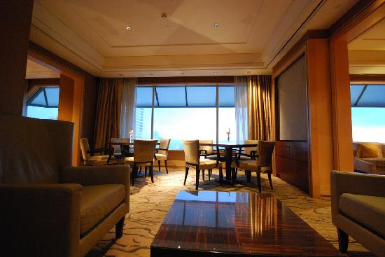 The Ritz-Carlton, Millenia Singapore: Club Lounge