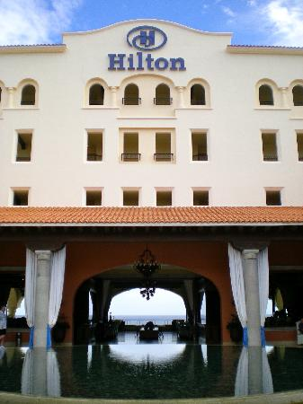 Club Casa Dorada Spa & Golf Resort: Entrance to Hilton