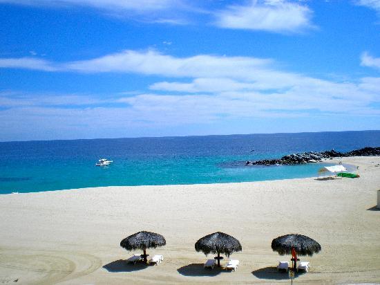 Hilton Los Cabos Beach & Golf Resort: at the beach