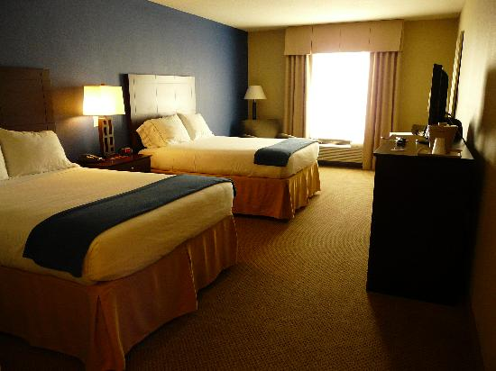 Holiday Inn Express Crystal River: comfortabele hotelkamer