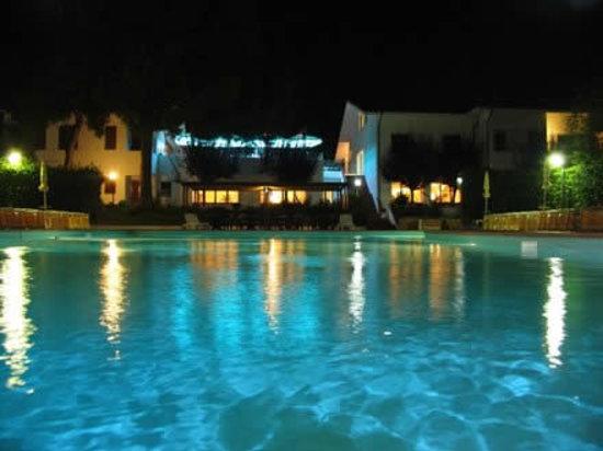 Numana, Italia: Piscina hotel