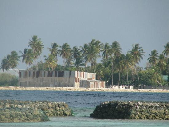 Sun Aqua Vilu Reef : This is the other island that our room and the beach was looking on to