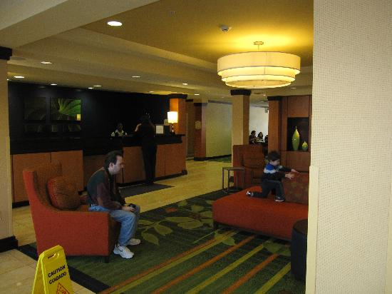 Fairfield Inn & Suites Wilkes-Barre Scranton: Lobby