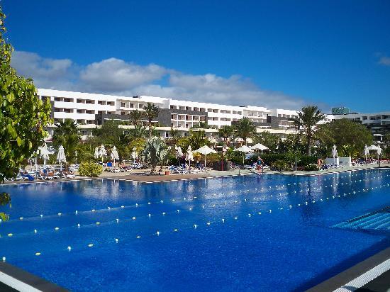 Hotel Costa Calero: The unheated salt water pool.