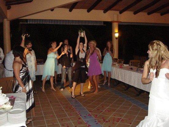 ClubHotel Riu Jalisco: good luck flower toss