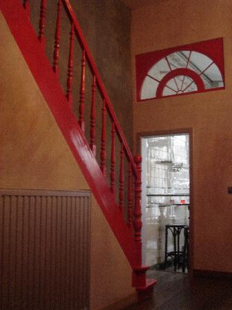 Le Coup de Coeur: Escalier vers les 3 chambres