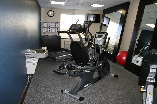 Hampton Inn Alpine: FITNESS CENTER