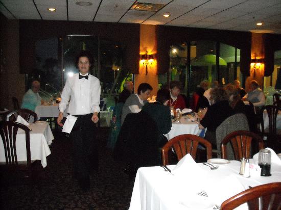 Martin's Restaurant: Excellent service