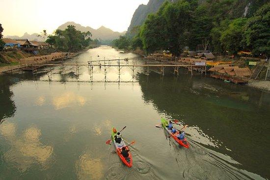 Vang Vieng, لاوس: ถ้ำลม... จุดต้นน้ำของความบันเทิง