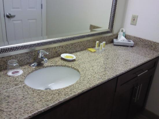 Studio 6 Lubbock TX: Bath Vanity