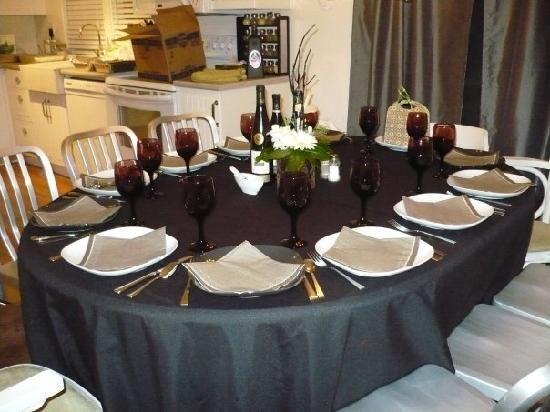Stone Boutique Suites: Dinner Table
