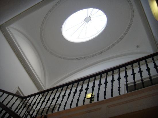 Dukes of Windsor Street: hauteur des escaliers