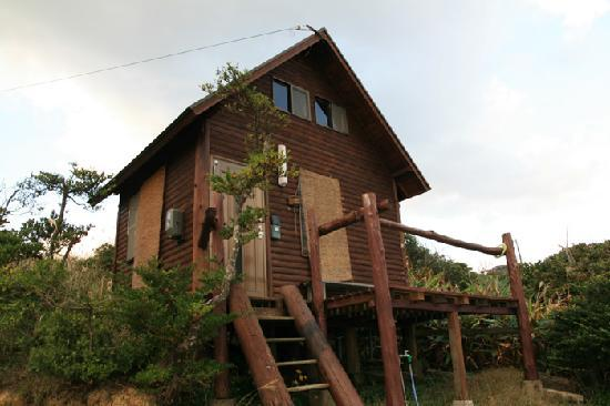 Ocean View Log House Tanegashima Umino Yado: ログハウスの外観