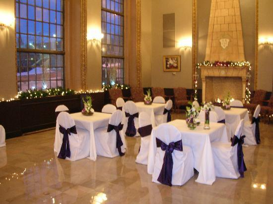 Ben Lomond Suites Historic Hotel, an Ascend Collection Hotel: The Sunlit Room Set For An Event