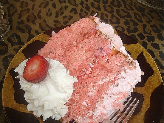 Lulu's Tea Room: Cake fixes everything!