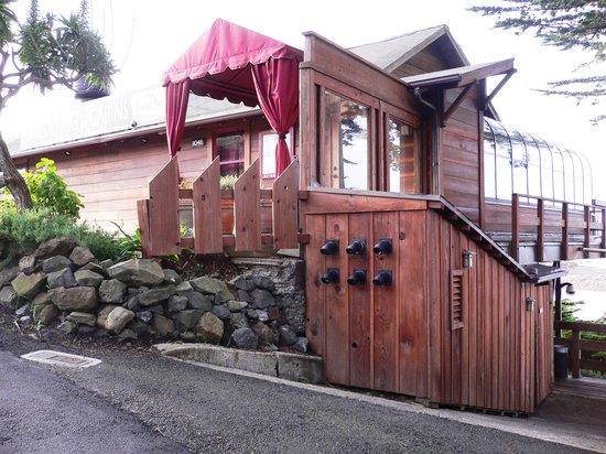 River's End Restaurant: Entrance to restaurant