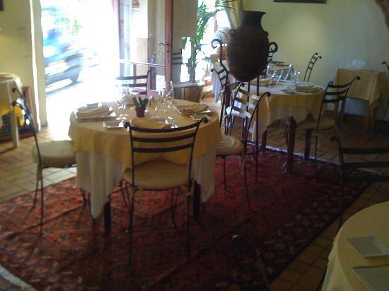 Restaurant Entre Cour et Jardin: salle