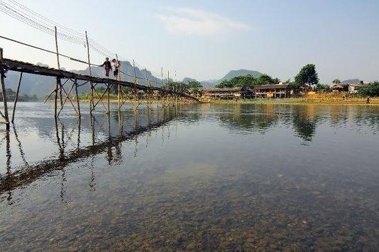 Vang Vieng, لاوس: น้ำใสๆ