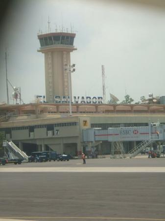 ซันซัลวาดอร์, เอลซัลวาดอร์: San Salvador airport